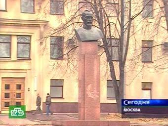 Бюст Феликса Дзержинского на Петровке 38, кадр телеканала НТВ