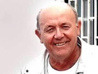 Тележурналист, путешественник, ведущий передачи ''Клуб путешественников'' Юрий Сенкевич. Съемка НТВ, архив, 2003 год