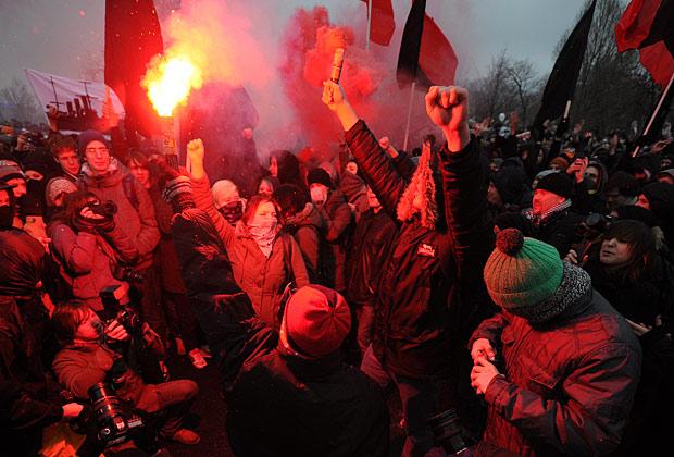 """Участники митинга """"За честные выборы"""" на Болотной площади, 10 декабря 2011 года"""