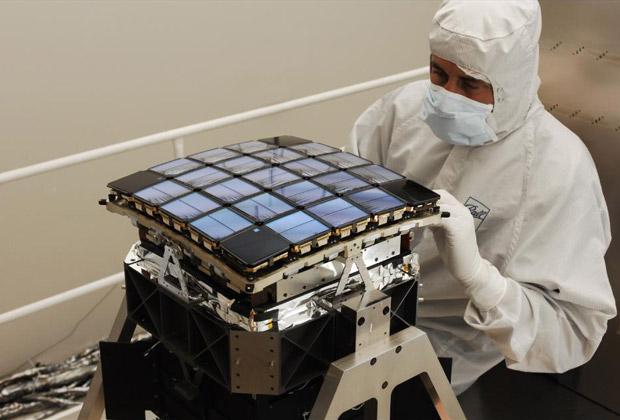 Две из 42 светочувствительных матриц телескопа вышли из строя вскоре после начала работы, при этом площадь покрытия уменьшилась на 5 процентов.