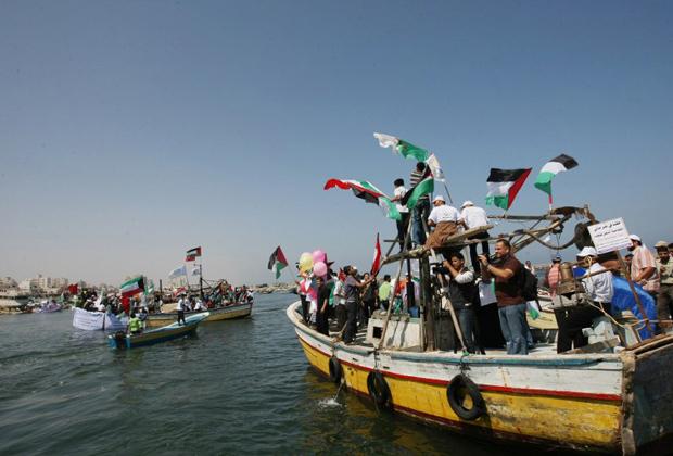 Палестинцы встречают турецкую «Флотилию свободы»