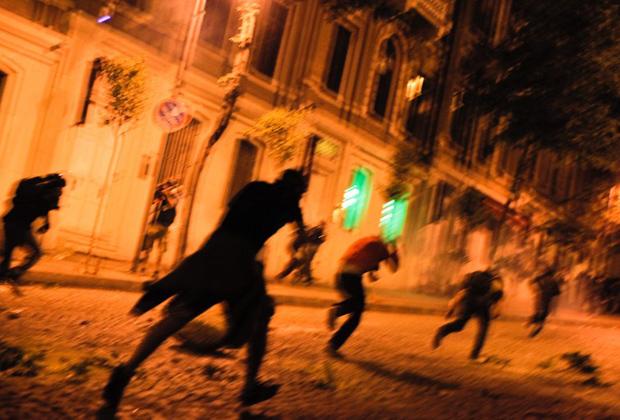 Разгон демонстрантов рядом с резиденцией Эрдогана