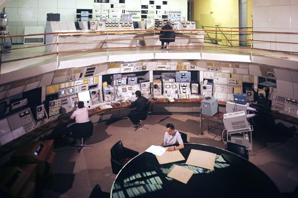Пульт управления электронно-позитронным накопителем ВЭПП-3 в Институте ядерной физики Сибирского отделения АН СССР, 1973 год