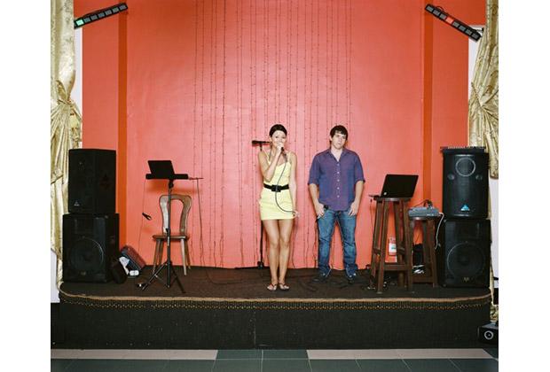 Фотография Роба Хорнстры из серии «Сочинские певцы»