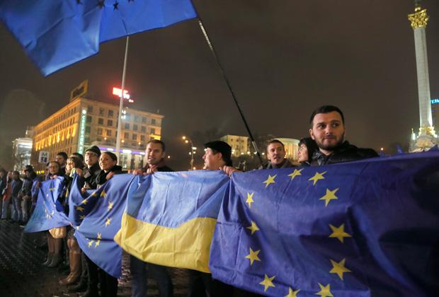 Сторонники евроинтеграции на Майдане Незалежности в Киеве, 21 ноября 2013 года.