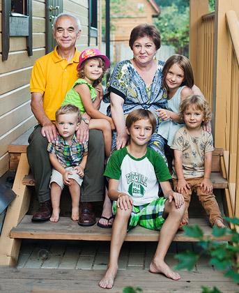Вячеслав Апанасенко с семьей