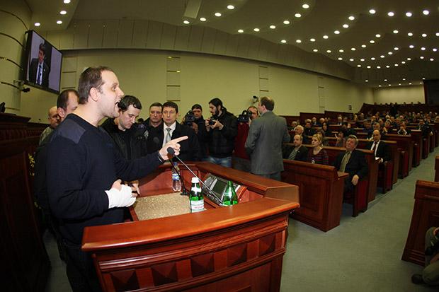 Павел Губарев во время захвата областной администрации