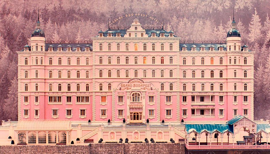 По ту сторону экрана. Существуют ли Хогвартс, отель «Гранд Будапешт» и квартира Шерлока Холмса в реальной жизни?