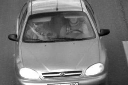 СМИ опубликовали фото предполагаемых убийц Немцова в автомобиле