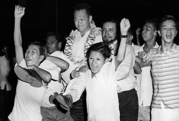 Ли Куан Ю после победы на выборах в 1959 году