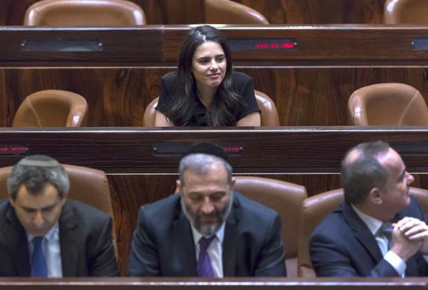 Новый министр стала автором нескольких законопроектов об ограничении полномочий Верховного суда