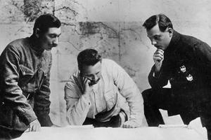 Слева направо: С. М. Буденный, М. В. Фрунзе, К. Е. Ворошилов во время Гражданской войны