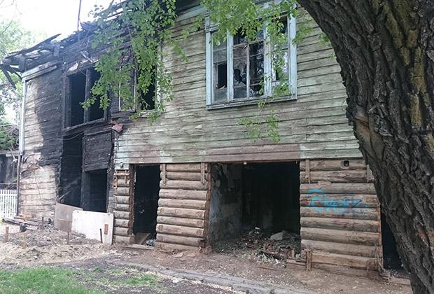 Сгоревший дом в частном секторе Благовещенска