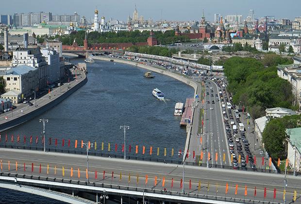 Виды Москвы из окна высотки на Котельнической набережной