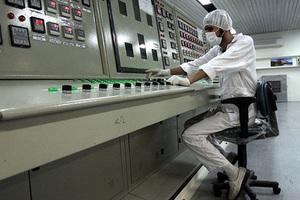Сотрудник иранского ядерного объекта возле Исфахана. 3 февраля 2007