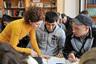 Мигранты во время экзаменационного тестирования