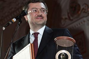 Анатолий Мотылев с наградой «Лучший банкир России» за 2006 год