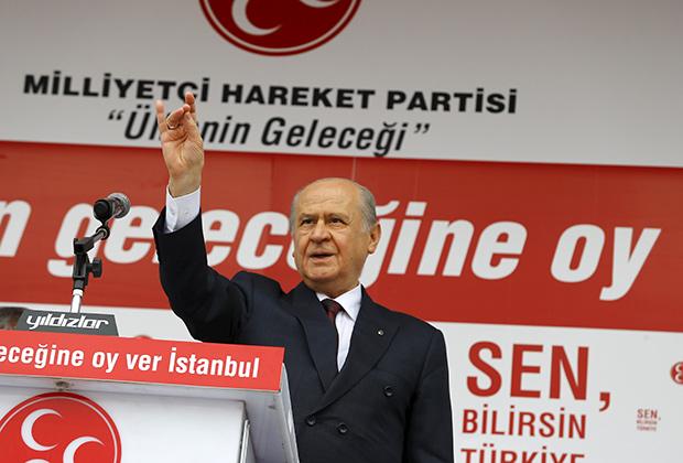 Девлет Бахчели — нынешний лидер турецких националистов
