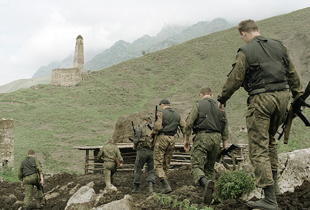 Патруль внутренних войск в районе осетино-ингушского конфликта, 1994год