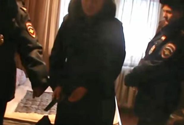 Следственный эксперимент в Екатеринбурге с женщиной, обезглавившей свою дочь