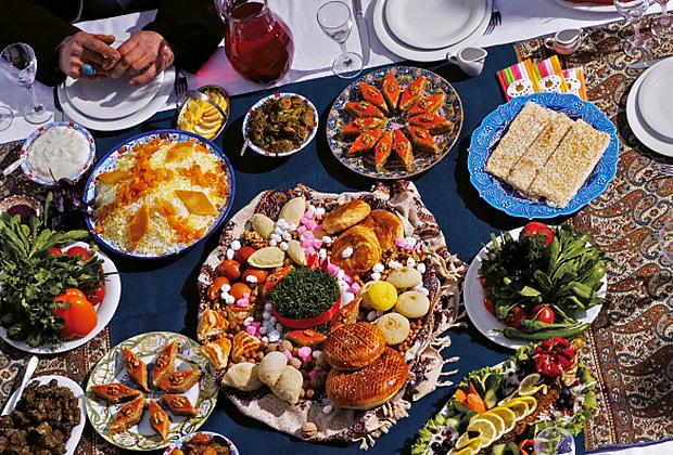В Баку принято обедать неторопливо, основательно и очень вкусно