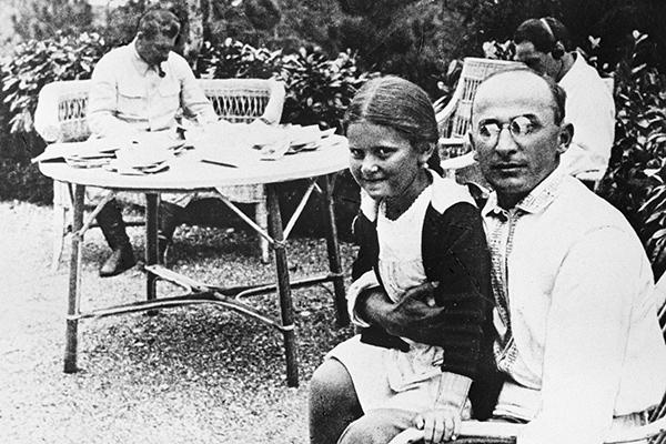 Лаврентий Берия с дочерью Сталина Светланой