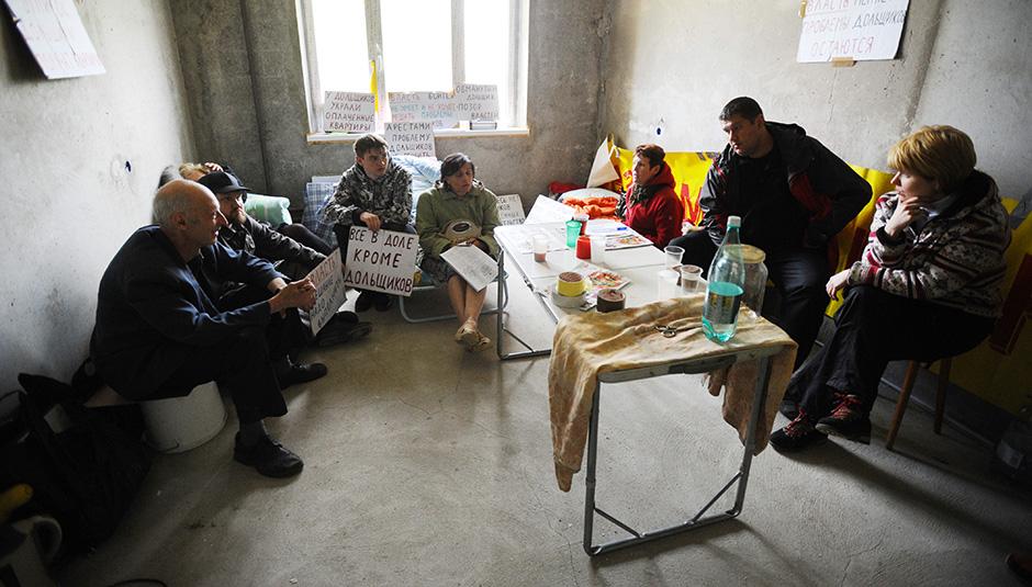 Обманутые дольщики захватили дом и объявили голодовку в Подмосковье