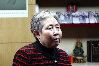 пользователи сети признали 70-летнюю бабушку самой горячей женщиной