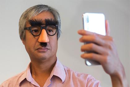 Владельцам iPhoneX позволили скрыть «монобровь»