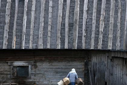 жительница поселка