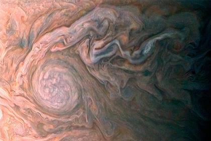 На Юпитере нашли фрактальную бурю