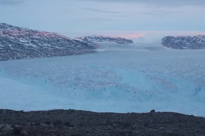 От Гренландии откололся гигантский айсберг
