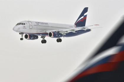 Sukhoi Superjet 100 аварийно сел в Подмосковье