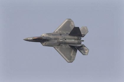 американскому f-22 предрекли поражение российских истребителей