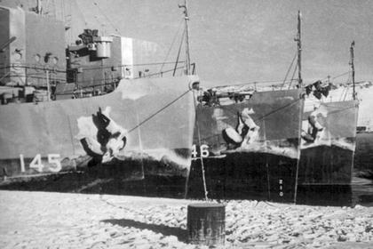 В Арктике освятили памятник погибшим при защите конвоев экипажам тральщикам