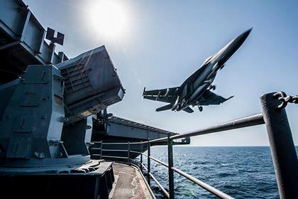 США похвастаются в Норвегии авианосцем для сдерживания России