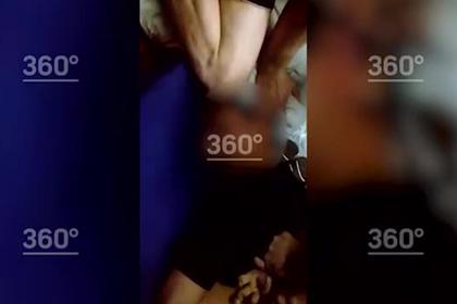 Пытающие сокамерника татуированные заключенные попали на видео