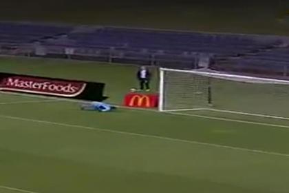 Усейн Болт забил первый гол в футбольной карьере