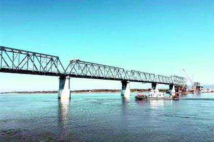 Китай быстрее России закончил строительство своей части моста через Амур