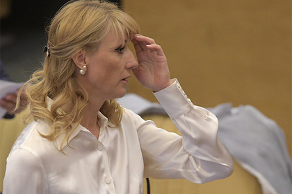 Азербайджан запретил въезд Журовой и Улицкой