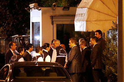 Полиция Турции нагрянула в саудовское консульство в поисках тела журналиста