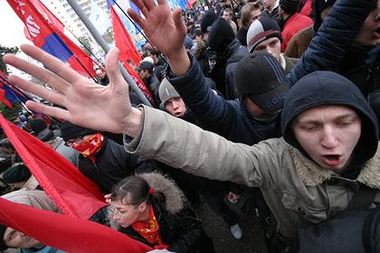 За вовлечение подростков в митинги предложили штрафовать на сотни тысяч рублей