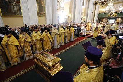 РПЦ разъяснила ситуацию с благодатным огнем и святынями после схизмы