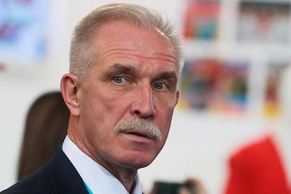 Ульяновский губернатор изменил свою и чиновничьи зарплаты