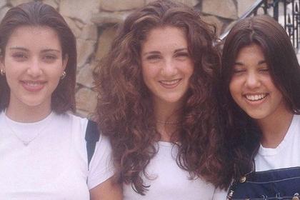 Школьная фотография сестер Кардашьян рассердила фанатов