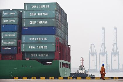 Российское судно застряло в Китае из-за санкций