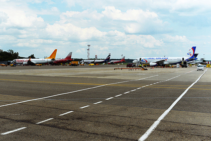 Россиянин устроил дебош на борту самолета и сорвал рейс в Москву