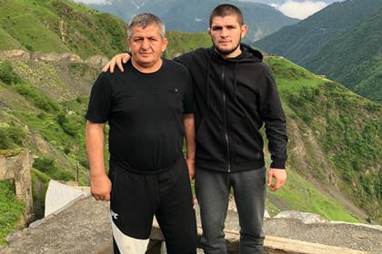 Отец Нурмагомедова позвал Макгрегора в Дагестан