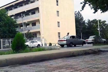 Оголодавших туркменов начали штрафовать за покупку еды
