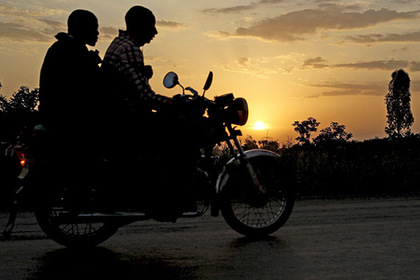Служба охоты на геев арестовала десятерых мужчин в Танзании [В мире]